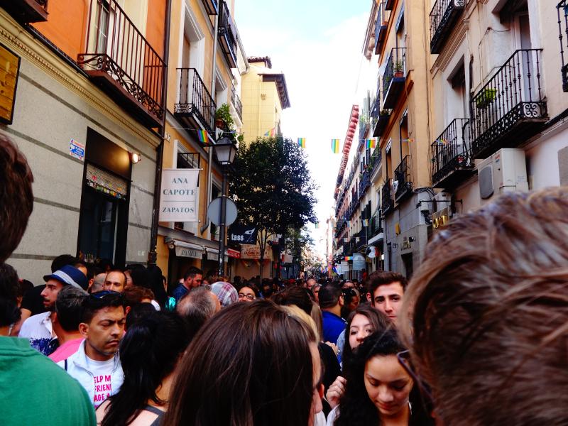 Con tacones y a lo loco por la calle pelayo de chueca en for Calle prado redondo ciempozuelos